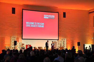 Bühne auf dem Civil Societyforum in Wien