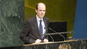 Alexander Marschik, Vizeminister für politische Fragen, Österreich, redet auf der Verhandlungskonferenz zum Atomwaffenverbot. Foto: UN/Rick Bajornas