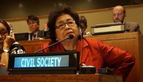 Setsuko Thurlow redet bei der UN-Verhandlungskonferenz zum Atomwaffenverbot. Bild: ICAN