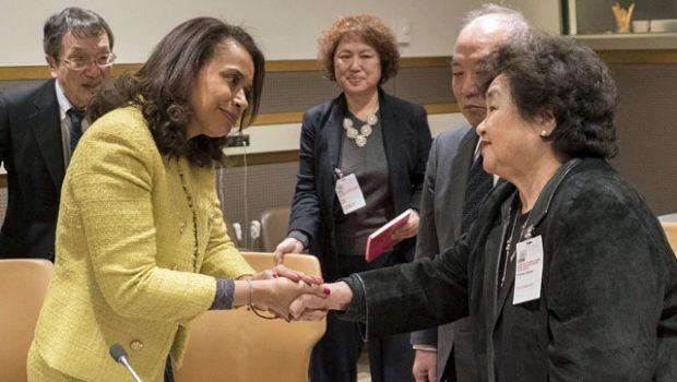 Präsidentin Whyte-Gomez trifft sich mit Setsuko Thurlow und andere Hibakusha. Foto: ICAN