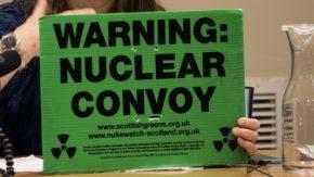 Nukleare Konvoi Schild aus Großbritannien. © Clare Conboy, ICAN