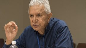 Roland Oldham, Präsident der Atomopferhilfeorganisation Moruroa e Tatou. © Ari Beser