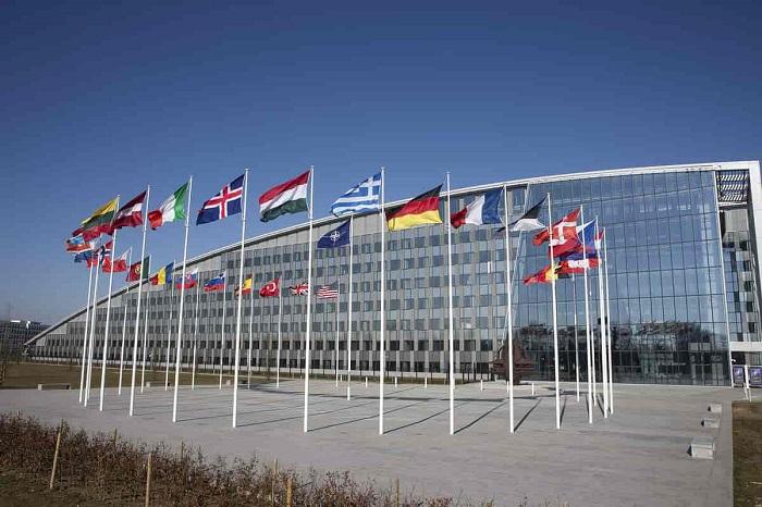 Ehemalige NATO-Minister*innen fordern Kehrtwende