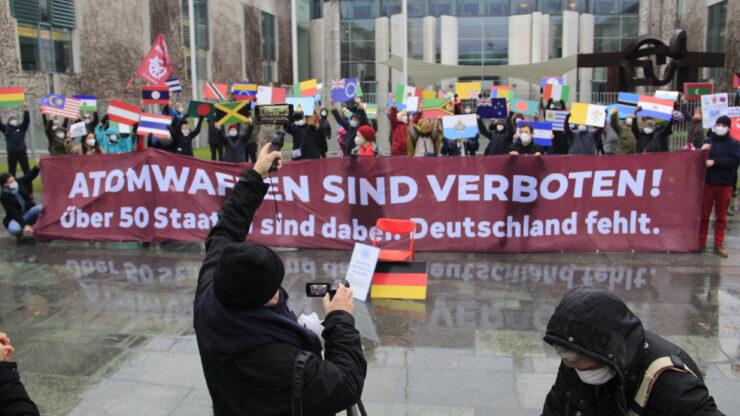 Protestaktion vor dem Bundeskanzlerinnenamt 22.01.2021/Fotografin: Anne Balzer/ICAN